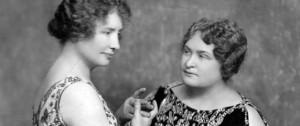 Vídeo  de Hellen Keller comunicándose con la ayuda de su instructora Anne Sullivan